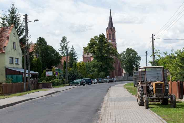 Kirche in Lamsdorf (Łambinowice)