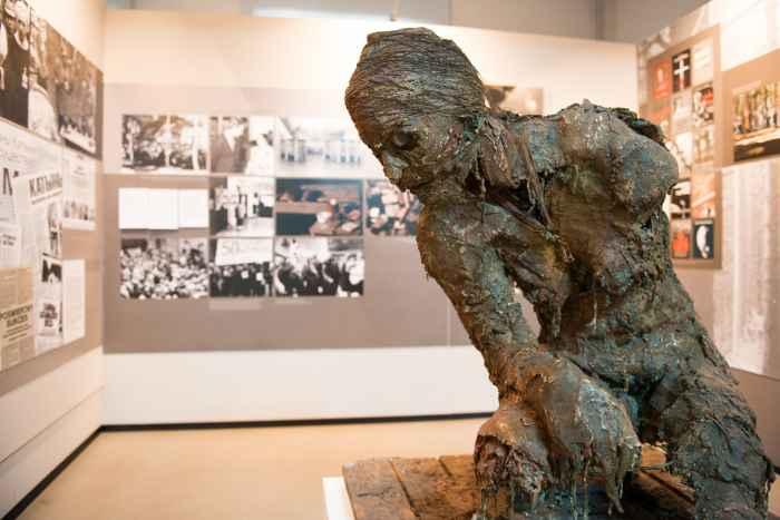 Skulptur im Museum in Lamsdorf