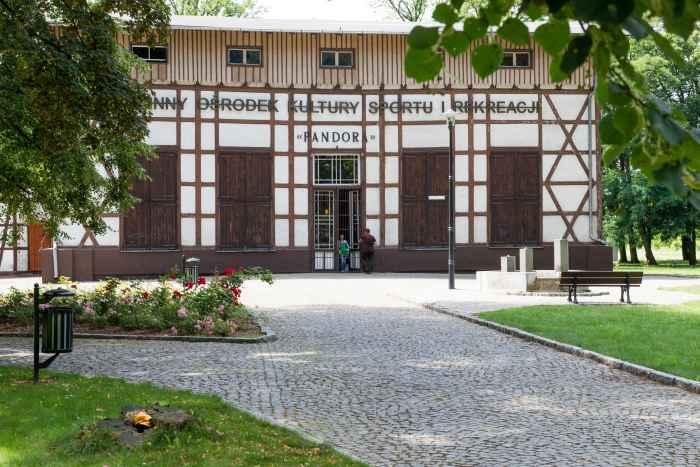 Einstiges Offizierskasino in Lamsdorf (Łambinowice)