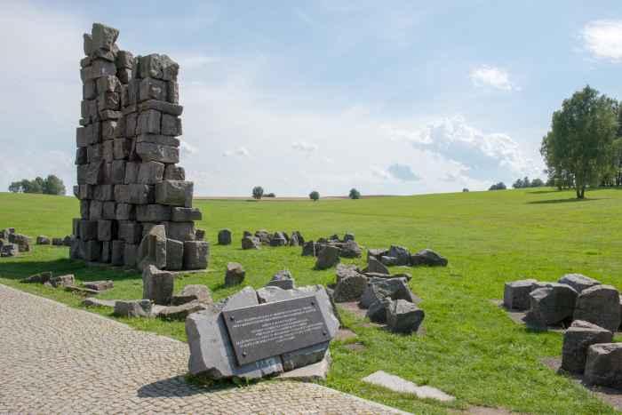 Trümmerreste des Grunwald-Denkmals