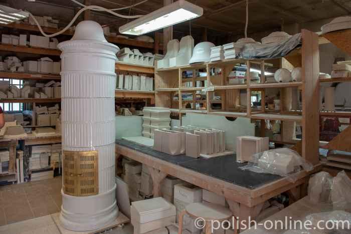 In der Keramikwerkstatt des Schlosses Eichmedien (Nakomiady)