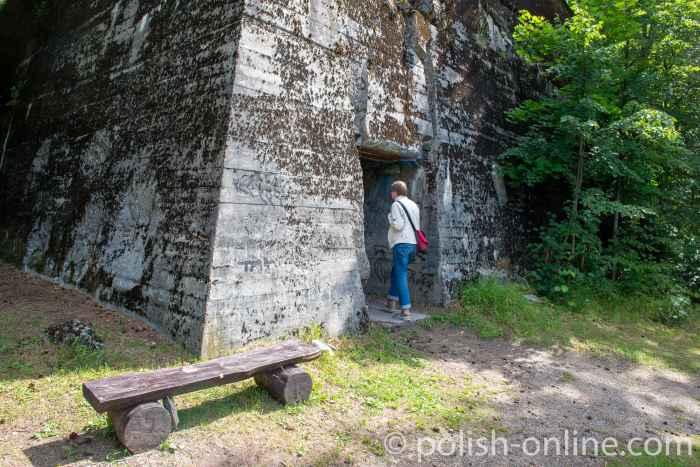 Eingang zum Himmler-Bunker in der Feldkommandostelle Hochwald