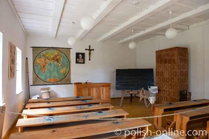 Klassenraum einer Dorfschule im Freilichtmuseum Hohenstein