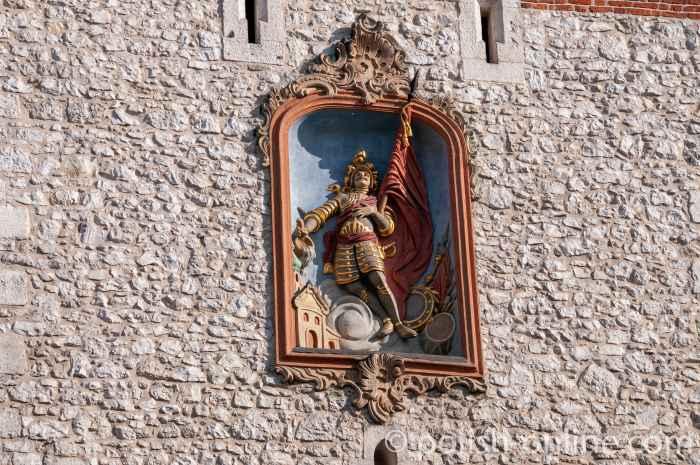 Flachrelief des heiligen Florian am Florianstor in Krakau (Kraków)