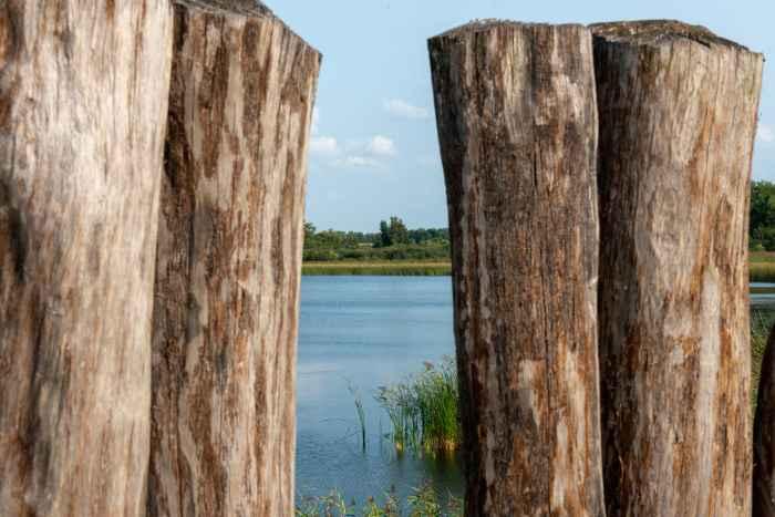 Blick auf den Biskupiner See in Polen