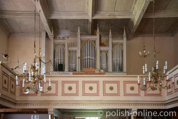 Orgel in der Kirche Maria Himmelfahrt in Gallingen in Masuren