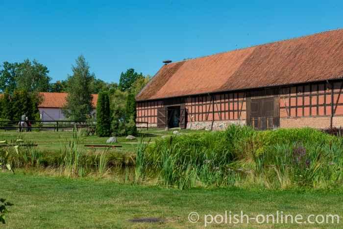 Pferdestall auf dem Gut Gallingen (Galiny) in Masuren
