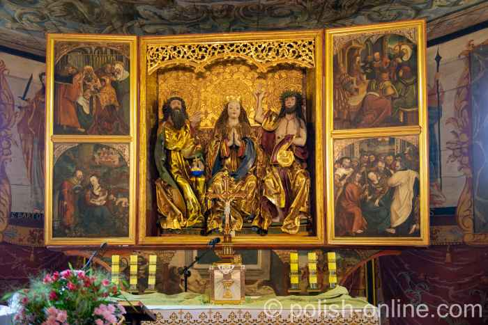 Altar in der Pfarrkirche von Reichenau (Rychnowo) in Masuren