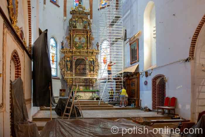 Altar der Johanniskirche in Bartenstein (Bartoszyce) in Polen