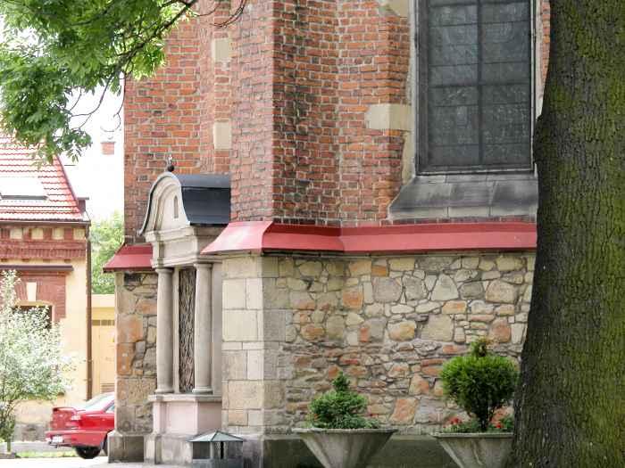 Seiteneingang zur Pfarrkirche St. Margarete in Neu Sandez (Nowy Sącz)