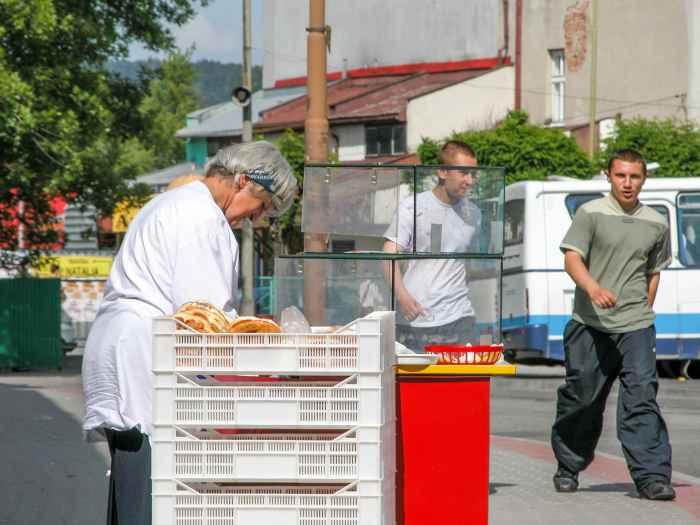 Gebäckverkäuferin in Neu Sandez (Nowy Sącz)