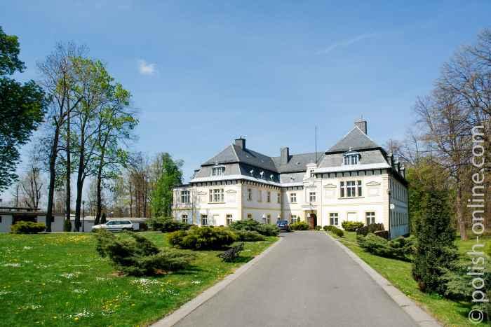 Das Schloss in Arnsdorf (Miłków) gehörte einmal der Familie Matuschk.