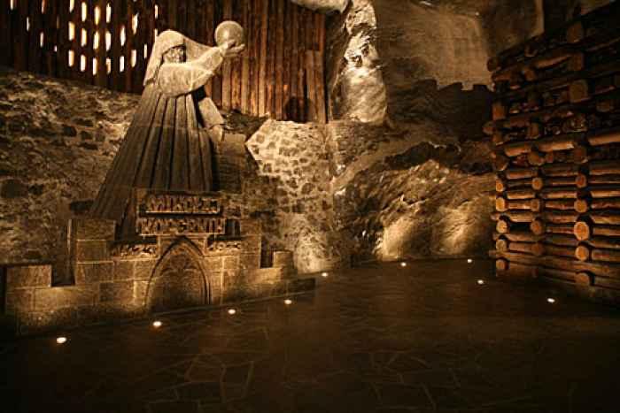 Kammer Nikolaus Kopernikus im Salzbergwerk Wieliczka in Polen.