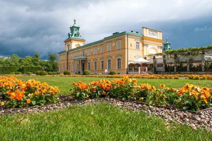 Schloss von Wilanów im Sonnenlicht