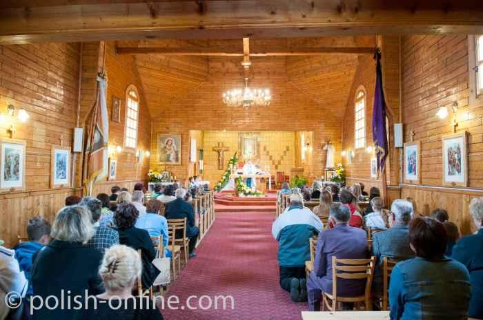 Messe in griechisch-katholischer Kirche Krościenko