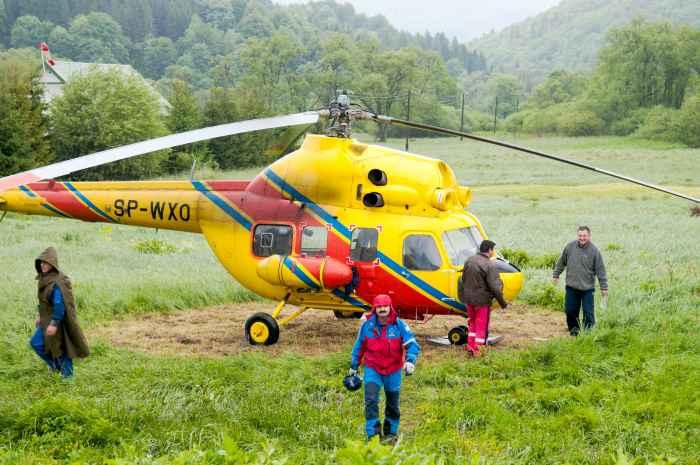 Hubschrauber der Rettungswacht von Ustrzyki Górne