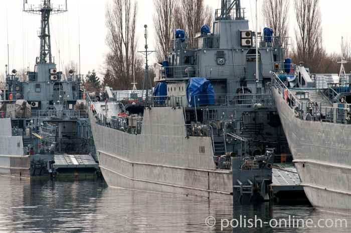 Minenleger- und Panzerlandungsschiffen in Swinemünde