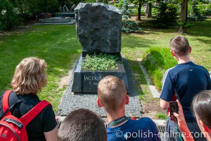 Grab von Jacek Kuron auf dem Powązki-Friedhof in Warschau