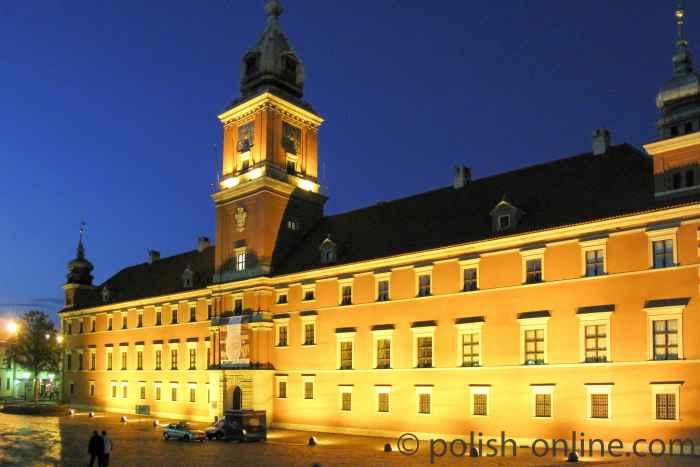 Das Warschauer Königsschloss bei Nacht