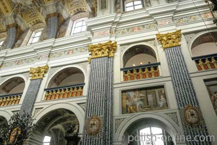 Empore im Hauptschiff Wallfahrtskirche Heilige Linde in Masuren