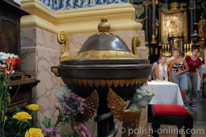 Taufbecken in der Basilika Heiligelinde