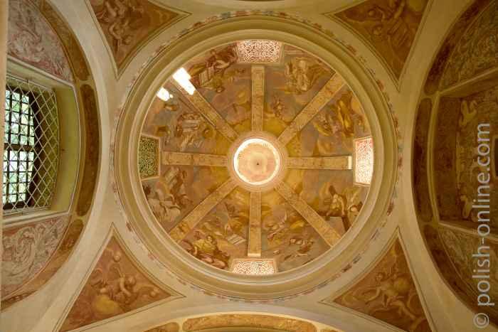 Fresken in einer Eckkappelle Heilige Linde