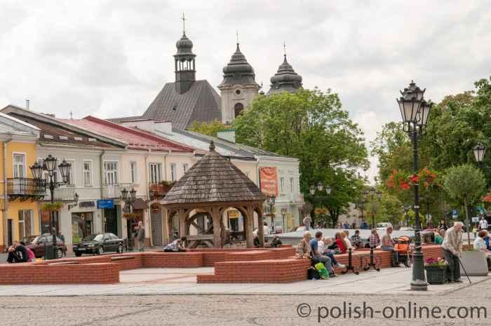 Marktplatz Chełm bei Sonnenschein