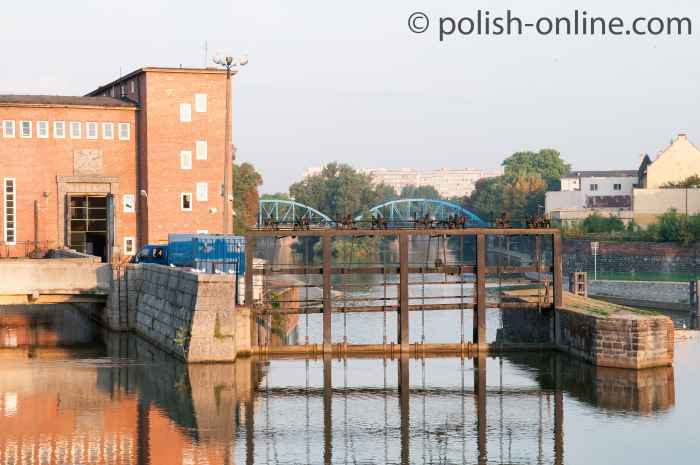 Morgenröte an der Oder mit Wasserwerk in Breslau (Wrocław) in Niederschlesien
