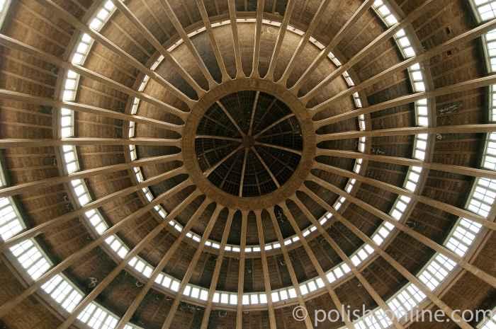 Laterne der Kuppel der Jahrhunderthalle in Breslau