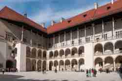 Nordecke des Schlosshofes in Krakau