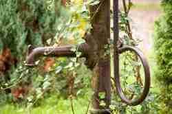 Wasserpumpe in Kleinort
