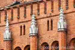 Zinnen und Filiale am Schloss in Sorquitten
