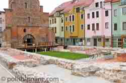 Grundmauern der Katharinenkirche Bütow
