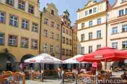 Cafes auf dem Rathausplatz