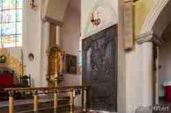 Bronzenes Epitaph in der Marienkirche in Bald Polzin (Połczyn Zdrój)