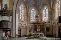 Altarraum der Marienkirche in Neustettin