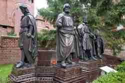 Statuen von Hochmeistern Marienburg (Malbork)