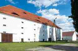 Wirtschaftsgebäude im Kloster Kamenz (Kamieniec Ząbkowicki)