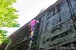 Leiter an einem Bunker im Mauerwald in Masuren