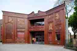 Fassade des Puppentheaters Baj Pomorski in Thorn (Toruń)