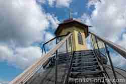 Treppe, die zur Laterne des Wasserturms in Goldap hinaufführt