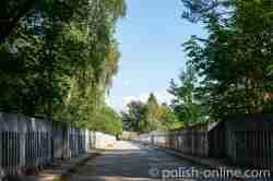 Fahrbahn der nördlichen Eisenbahnbrücke in Staatshausen (Stańczyki)