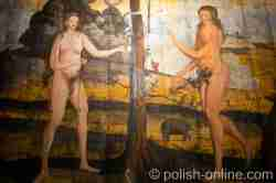 Darstellung von Adam und Eva im Paradies in der Kirche in Reichenau (Rychnowo) in Masuren