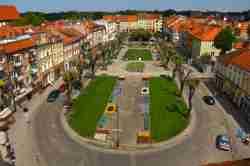 Markplatz von Bartenstein (Bartoczyce) in Ermland-Masuren in Polen