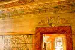 Wandmalerei in einer historischen Papiermühle