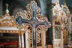 Altarraum mit Reliquienschrein Jabłeczna