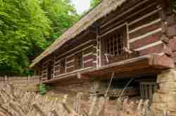 Reste einer Wassermühle im Freilichtmuseum in Sanok