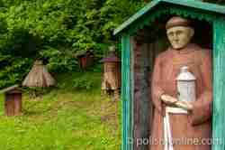 Bienenstock in Form eines Mönches im Freilichtmuseum in Sanok