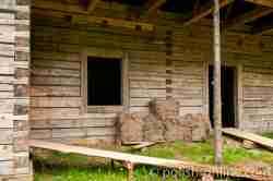 Wiederaufbau eines Blockhauses im Freilichtmuseum Sanok