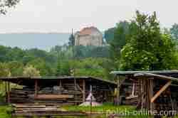 Holzlager des Freilichtmuseums in Sanok